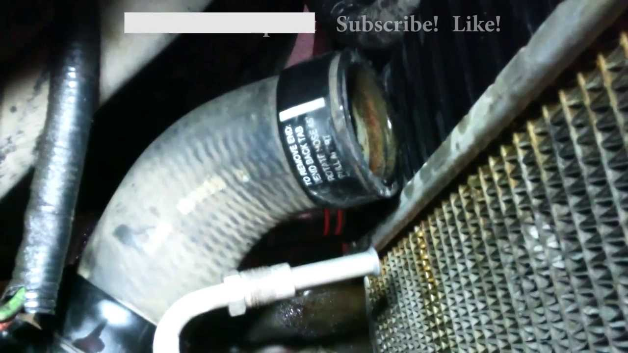 small resolution of radiator hose removal ford expedition 1997 lower hose with no clamp youtube