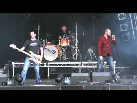 Earthtone9 - Tat Twam - Bloodstock 2013