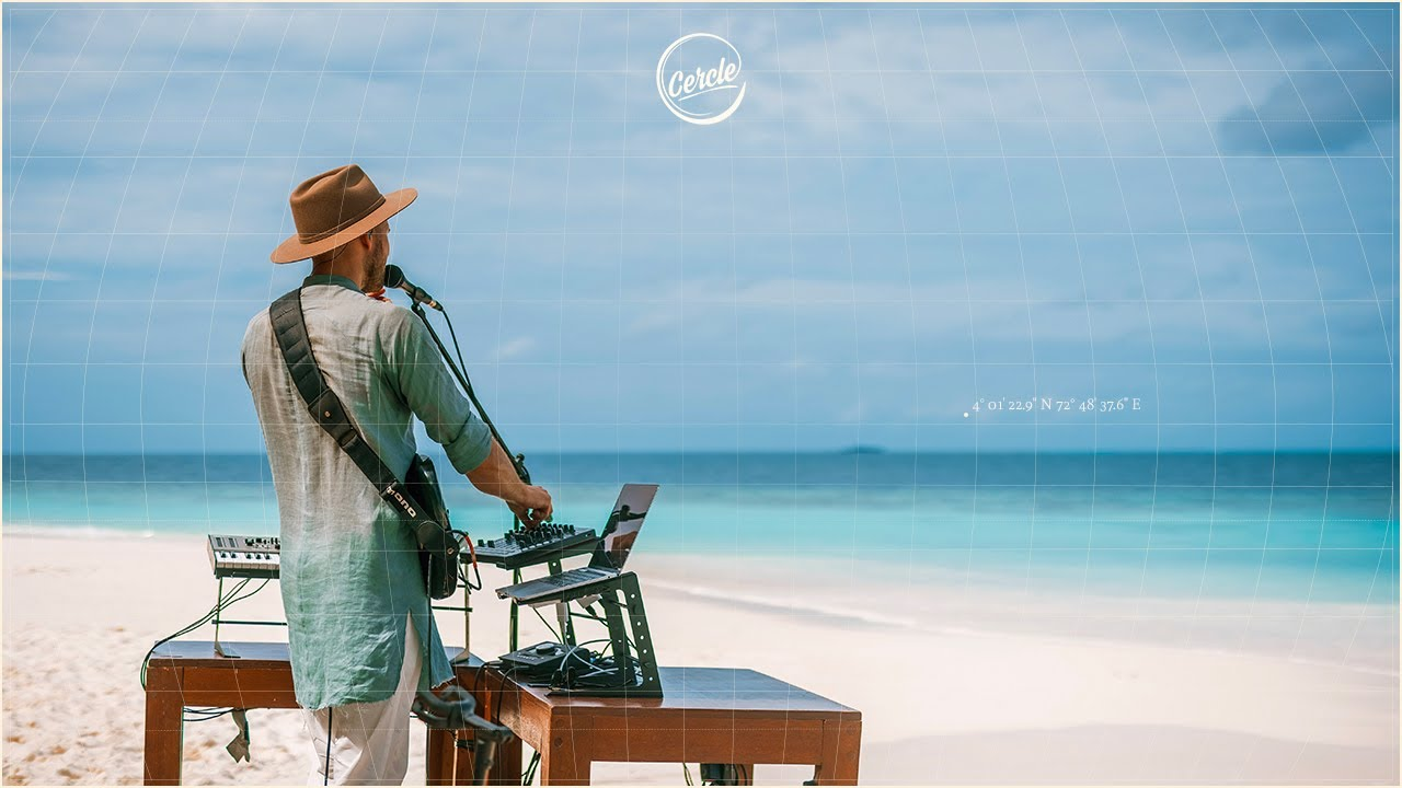 Monolink live at Gaatafushi Island, in the Maldives for Cercle and W Hotels
