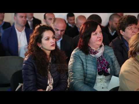 Klosi: Zyra pune në 61 bashkiv - Top Channel Albania - News - Lajme