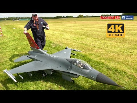 GIANT SCALE General Dynamics F-16 'Fighting Falcon'  [*UltraHD and 4K*]