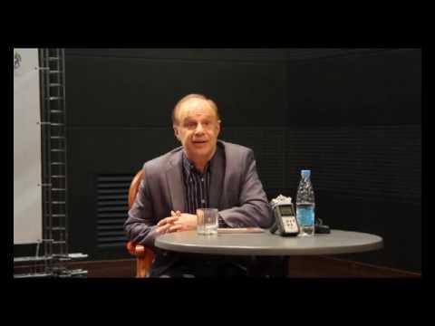Смотреть Авангард Леонтьев: «Я в театр хожу поплакать» онлайн