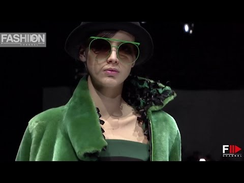 GIORGIO ARMANI Milan Fashion Week Womenswear Fall Winter 2017 2018 - Fashion Channel