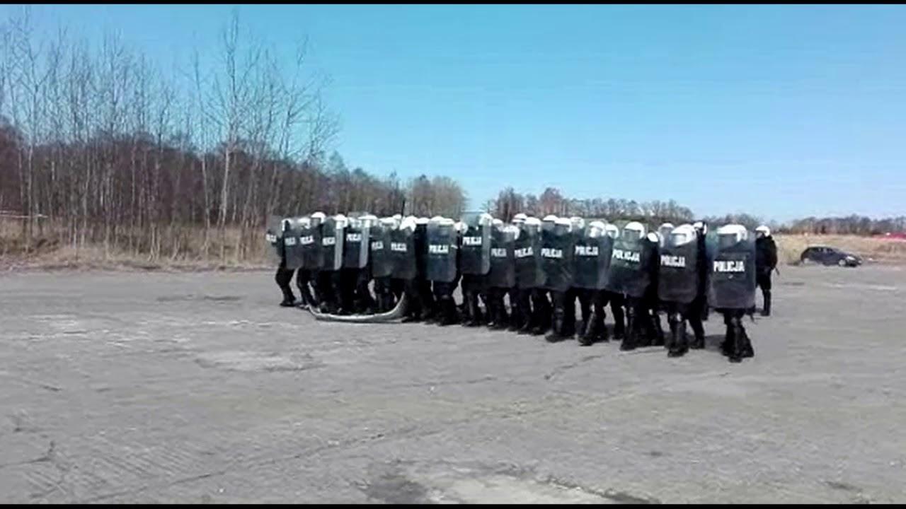 Żołnierze spotykają oszustów