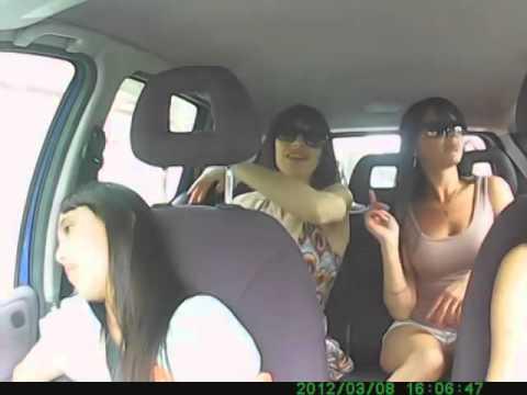 Скрытая камера у девушек считаю