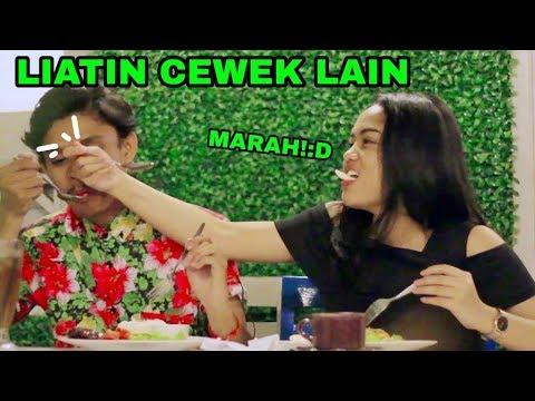 PRANK PACAR!!!! LIATIN CEWEK CANTIK SAMPAI PACAR MARAH - PRANK INDONESIA
