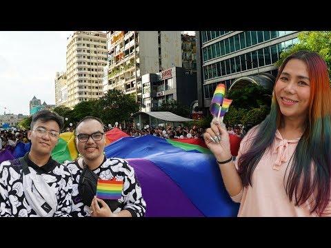 Phố đi bộ ngập sắc cầu vồng của cộng đồng LGBT
