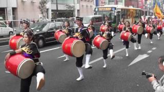 昇龍祭太鼓 ( 三線の花 ) in 浅草国際通り ビートフェスティバル 2011 thumbnail