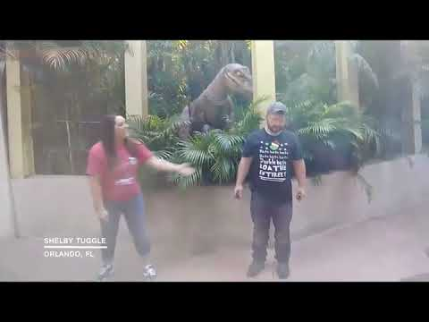 Woody and Wilcox - This Woman Is Terrified Of The Fake Raptor