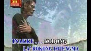 Download lagu la' rokong tojemma kapang
