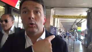 Governo, tutti aspettano Conte ma arriva Renzi: il sarcasmo dell'ex premier in stazione