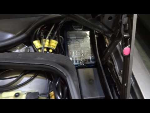 Mercedes 190 W201 How To Remove Cover Fusebox - YouTubeYouTube