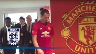 Leicester City v Man United - Tunnel Cam (Ibrahimović, Vardy) 2016 Community Shield | Inside Access