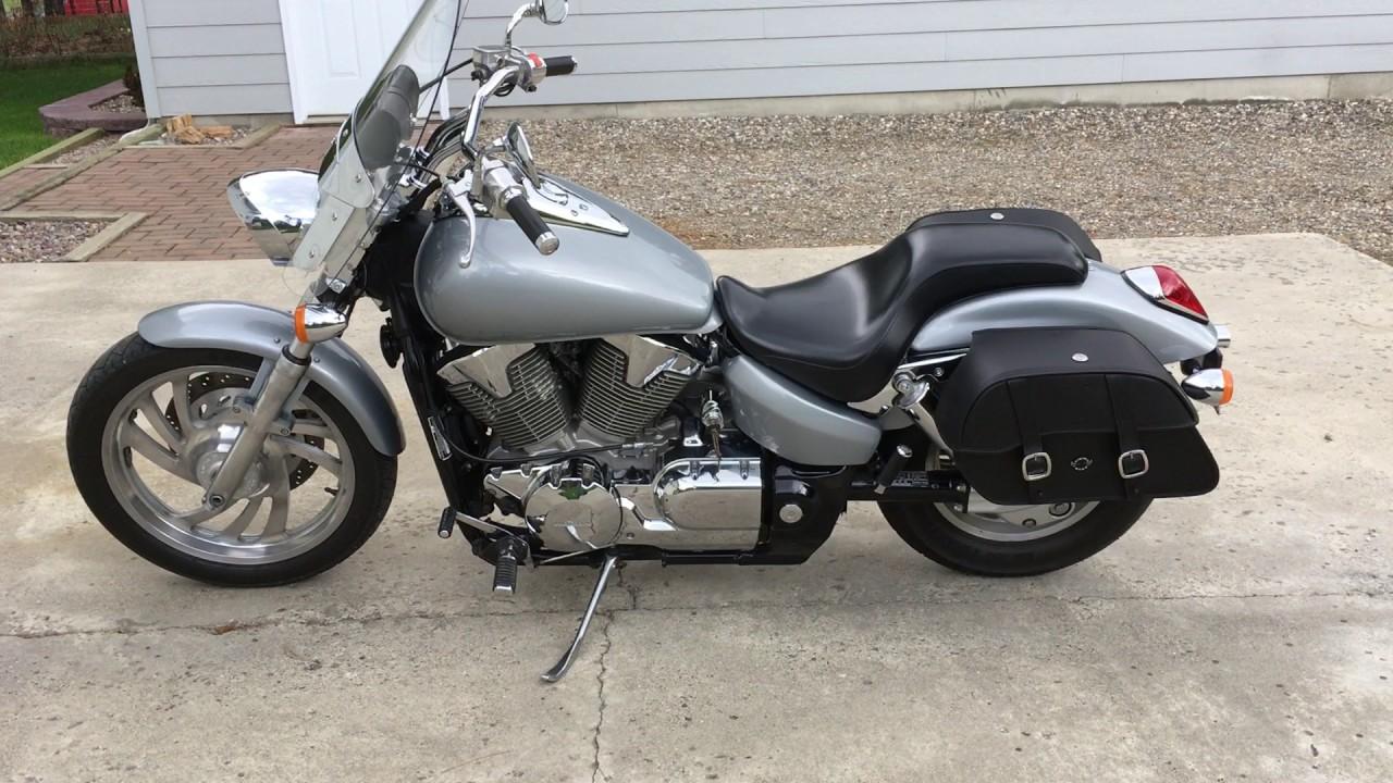 2004 Honda VTX 1300 C Motorcycle Saddlebags Review - vikingbags com