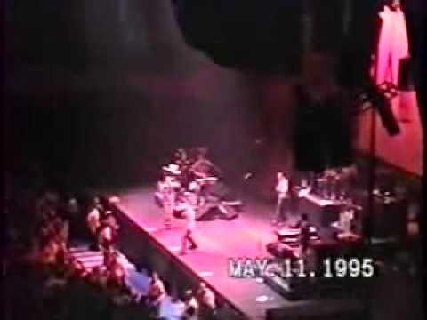 Beastie Boys - The Maestro (Live Nassau 5-11-1995)