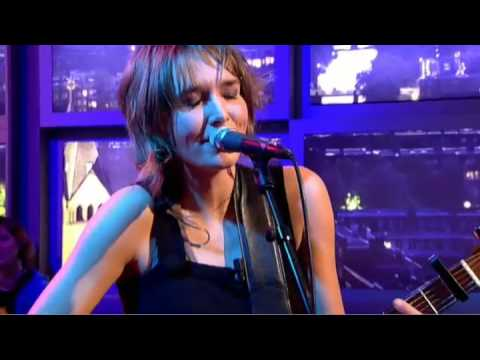 Web-only Marike Jager zingt She only knows Mp3