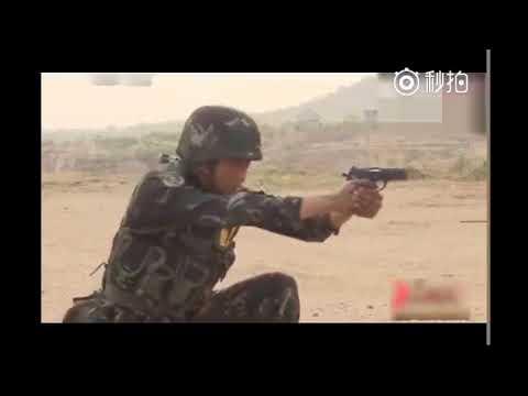 解放軍土法練靶:士兵頭頂蘋果 讓同僚射擊
