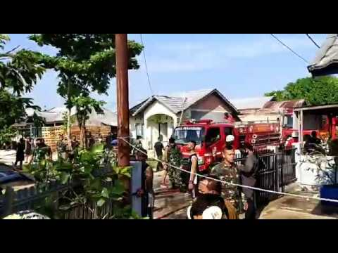 Breaking News : Pesawat Tempur TNI AU Jatuh Di Perumahan ...