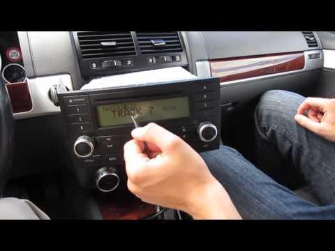 Установка Yatour на Volkswagen Touareg 2002 2003 2005 2006 2007 2009 2010 USB SD AUX IPhone