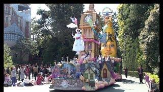 4/15の開園35周年を前に、ついに新しいお昼のパレード「ドリーミング・ア...