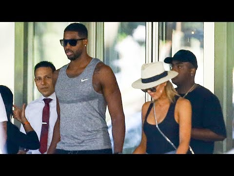 Khloe Kardashian Sparks Pregnancy Rumors With THIS Pic