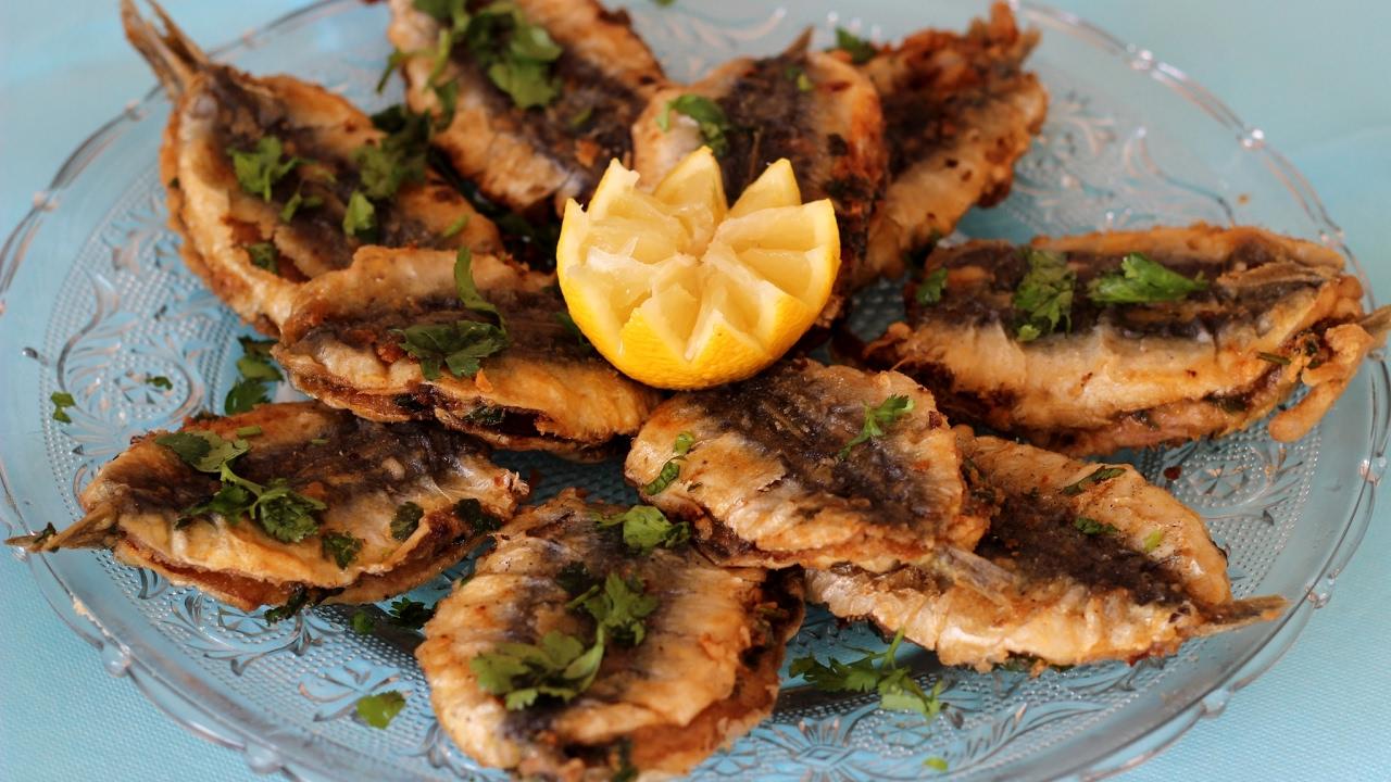 Sardines à la marocaine ( CHERMOULA ) - YouTube