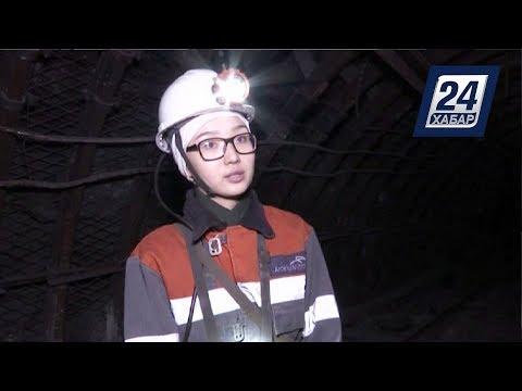 Карагандинка успешно совмещает шахтёрское дело с рисованием и поэзией