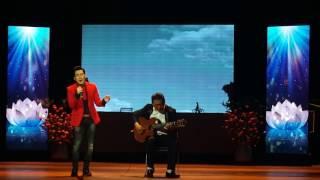 Quang Hà hát anh còn nợ em với đàn guitar