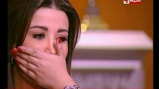 فنانة سورية تبكي: قبر أمي ضرب في القصف (فيديو)
