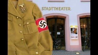 """Grotesk : """"Mein Kampf"""" im Theater Konstanz - Freier Eintritt fürs Hakenkreuzbinde-Träger"""