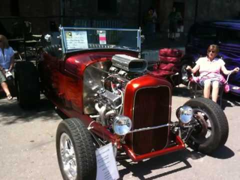 Car Show  Purple People Eater Hot RODS Petaluma, CA