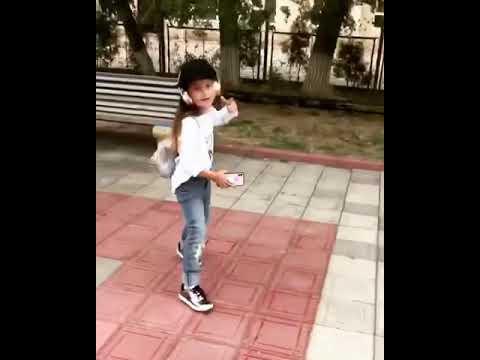 Смешные Дети Прикол Вайн Тикток Дагестан Малышка Блогер Пародия Любовь Зайка Казка Мода Модель супер