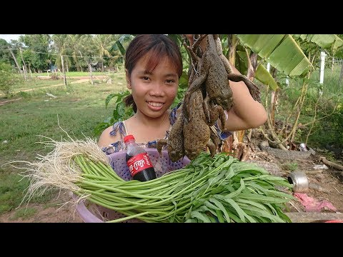 Amazing Cute Girl Cooking Frog With Coca Cola - How To Cook Frog In Cambodia