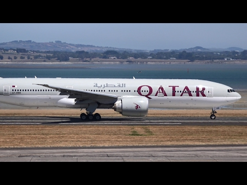 WORLD'S LONGEST FLIGHT | Qatar Airways 777-200LR | Takeoff at Auckland Airport