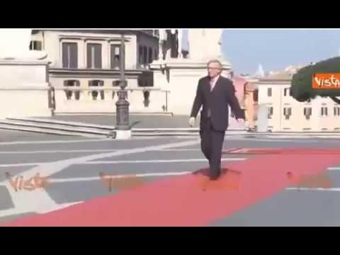 Le Président de la commission Européenne Jean Claude Junker ivre