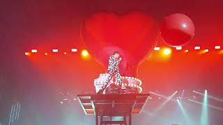 Mika - Tiny Love (Reprise)/ Stay High (Live) BARI 7.02.2020