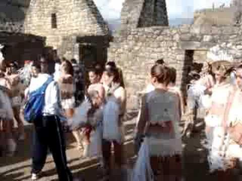 Test Endhiran The Robot Indian film with Aishwarya in Machu Picchu