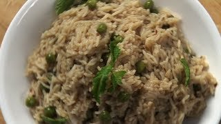 Matar And Mint Pulao