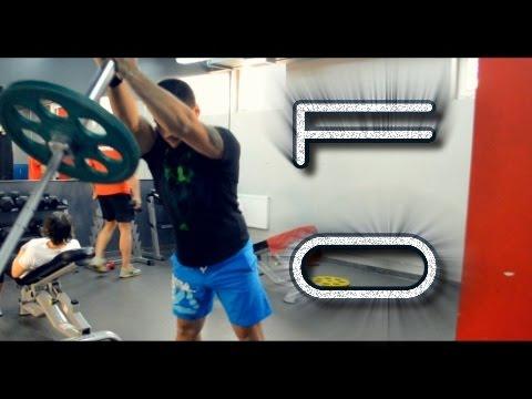 Голые борцы в спортзале фото 344-312