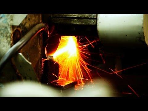 Кто закаляет сталь?