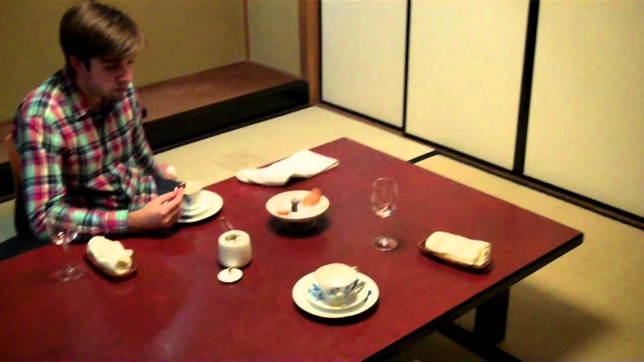 Traditional Japanese dining room - YouTube