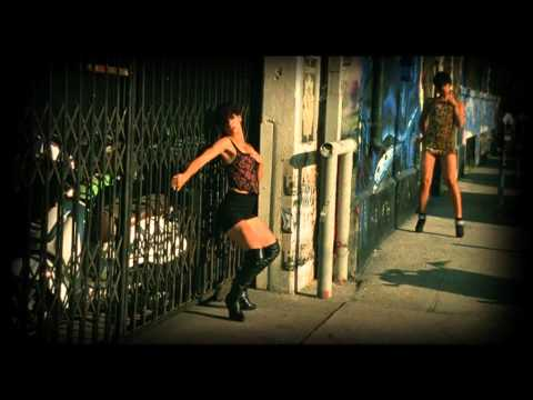 Regi & Turbo B Feat Ameerah We Be Hot