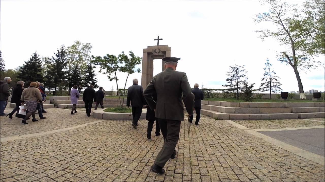 Возложение венков к памятнику воинам правопорядка, погибшим при исполнении служебного долга