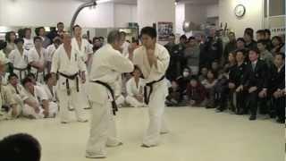 2010年3月7日におこなわれた総本部審査での山崎保広の昇段10人組手の前...
