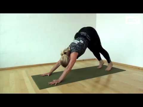 Bliv stærk med yoga - fem øvelser som styrker musklerne