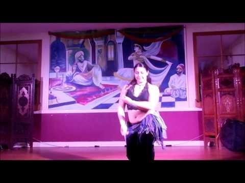 Maritza Otero performing to Sylvan Esso-Coffee