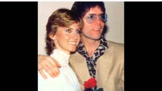 Watch Cliff Richard Sunny Honey Girl Live video