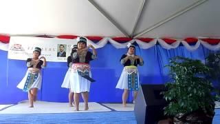 Ntxhais Kaj Siab Dance 2 at Oroville NY '12