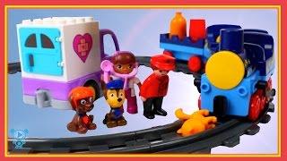 Поїзди для дітей відео - діти залізничної катастрофи з кішкою - іграшковий поїзд відео для дітей поїзда відео 4К