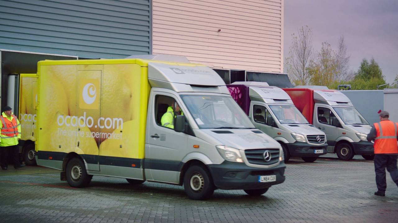 390351c8eb2ec6 Why Ocado Choose Mercedes-Benz Vans - YouTube